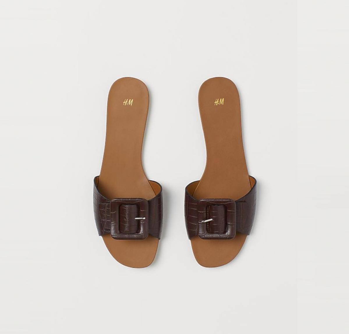 Brązowe klapki z H&M, 39,90 zł