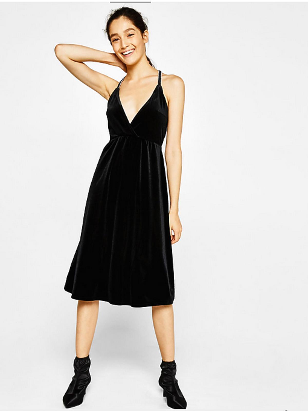 Czarna aksamitna sukienka, Berska 149 złotych