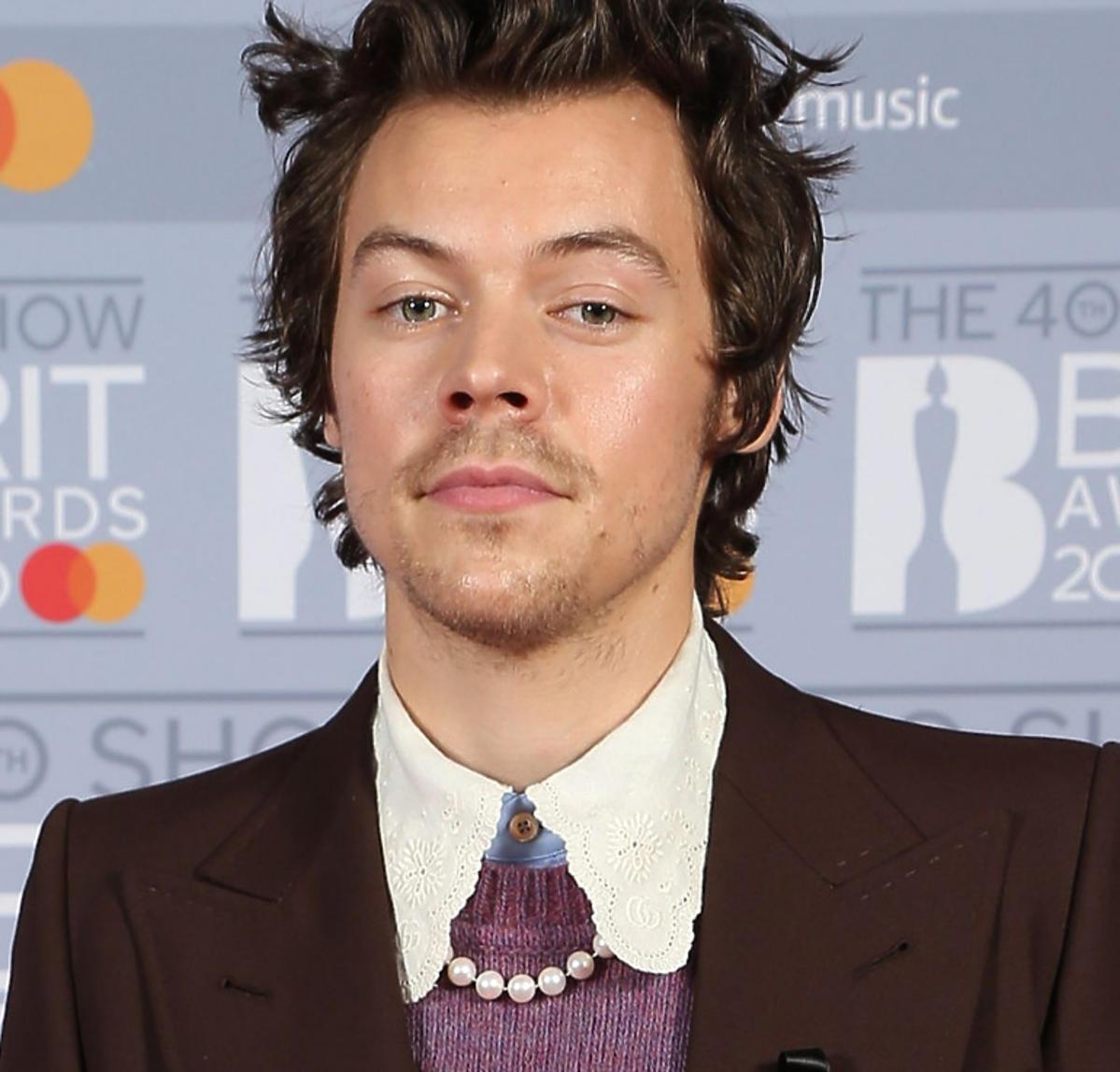 Harry Styles w perłach