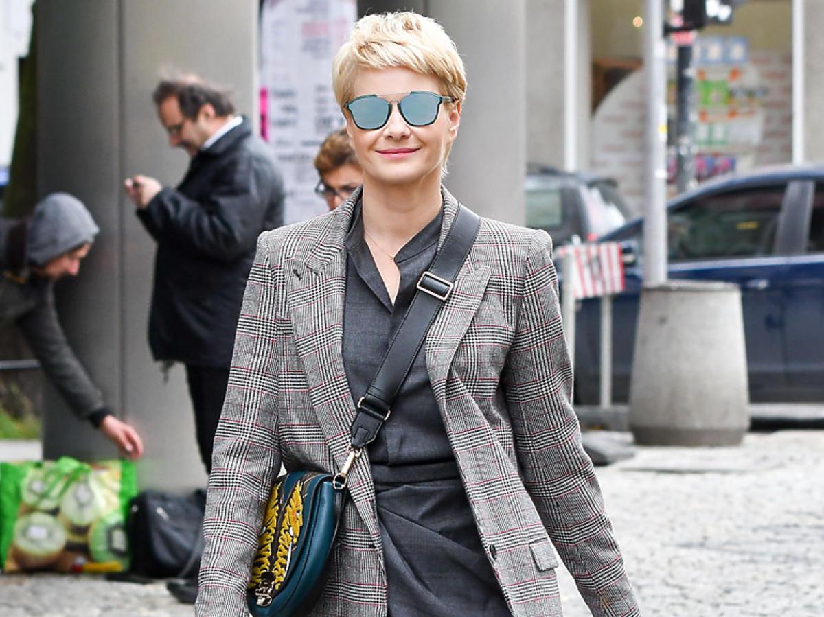 Małgorzata Kożuchowska w najmodniejszym płaszczu w kratę