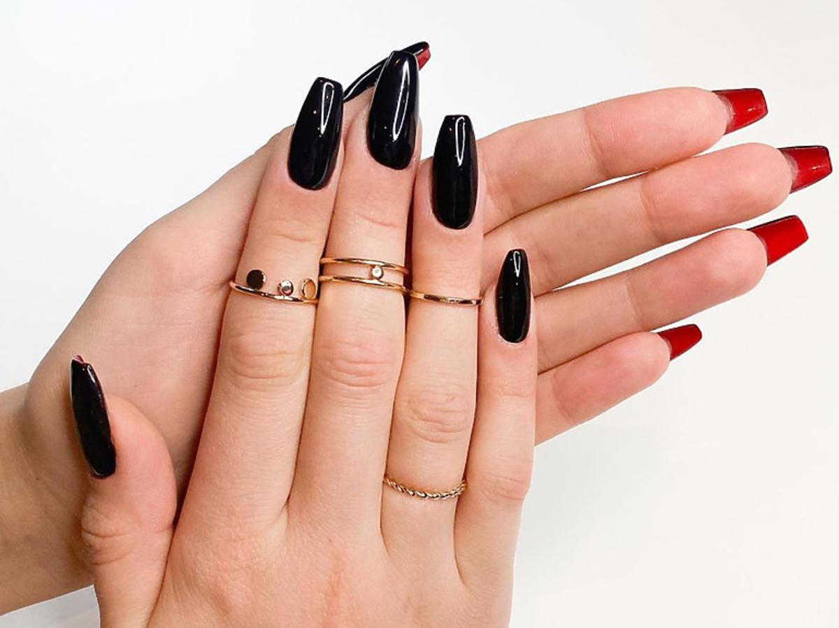 Nailboutin manicure