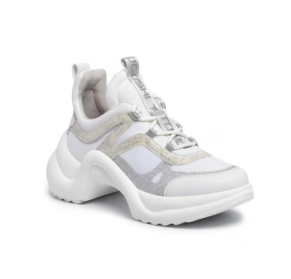 Pamiętacie sneakersy Ani Lewandowskiej Louis Vuitton? Znaleźliśmy niemal identyczne, ale ponad 10 razy tańsze!