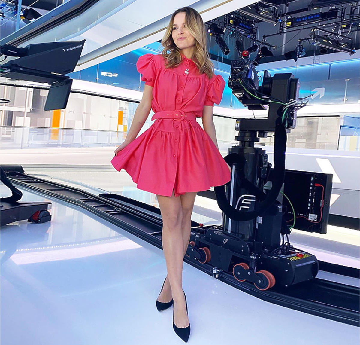 Paulina Sykut w czerwonej sukience Karen Paul