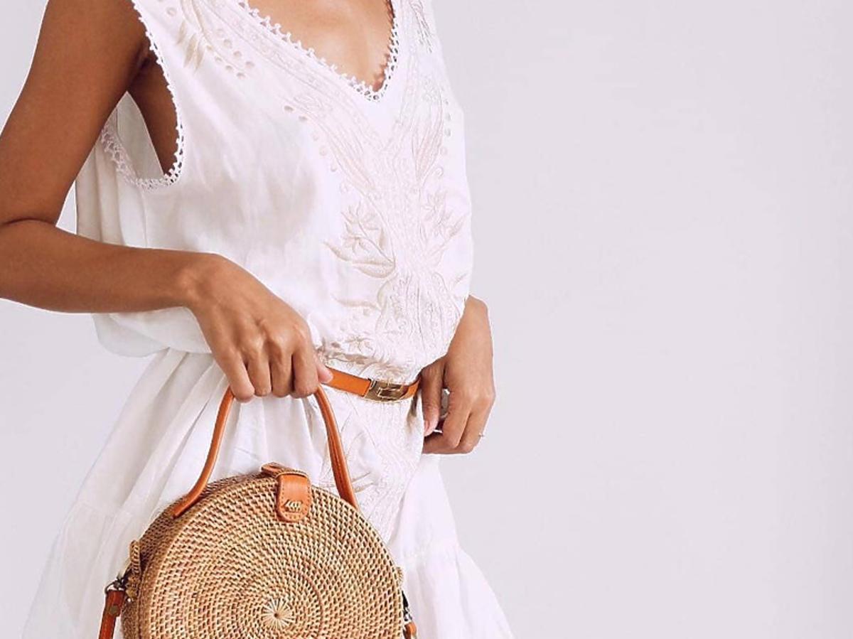 Słomkowa torebka za 59 zł z H&M na lato 2020