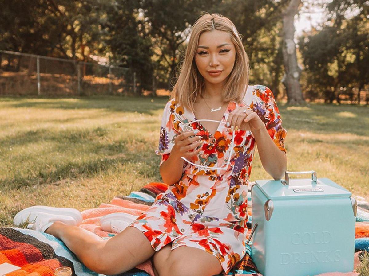 Sukienka z H&M z wyprzedaży za 49 złotych to hit Instagrama