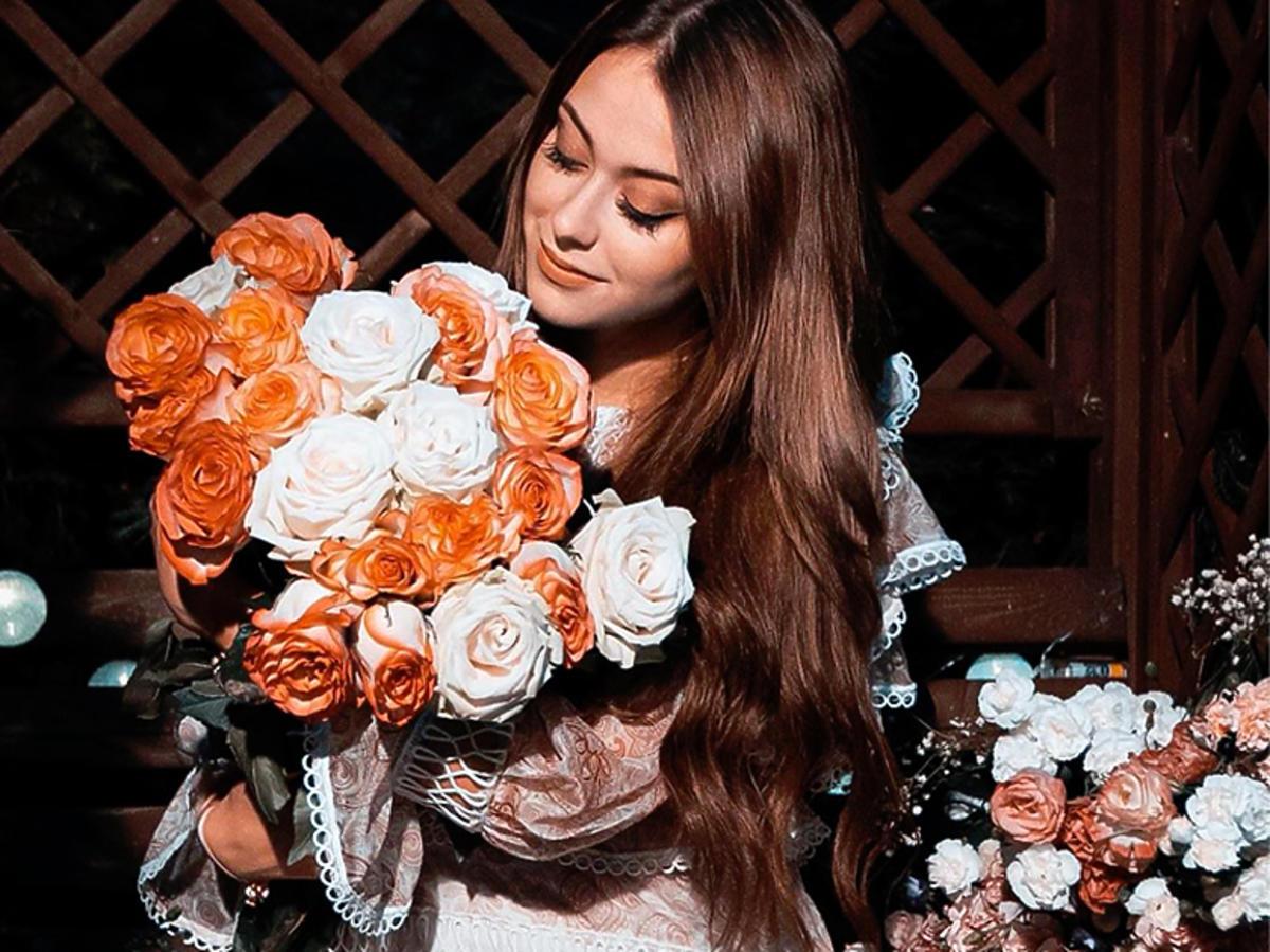 Sylwia Przybysz w różowej sukience boho Boco Clothing