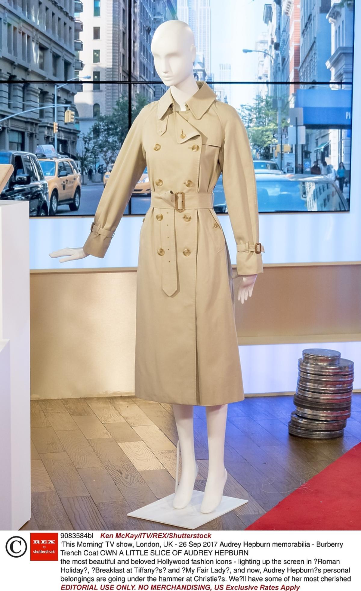 Płaszcz Burberry, który nosiła Audrey Hepburn