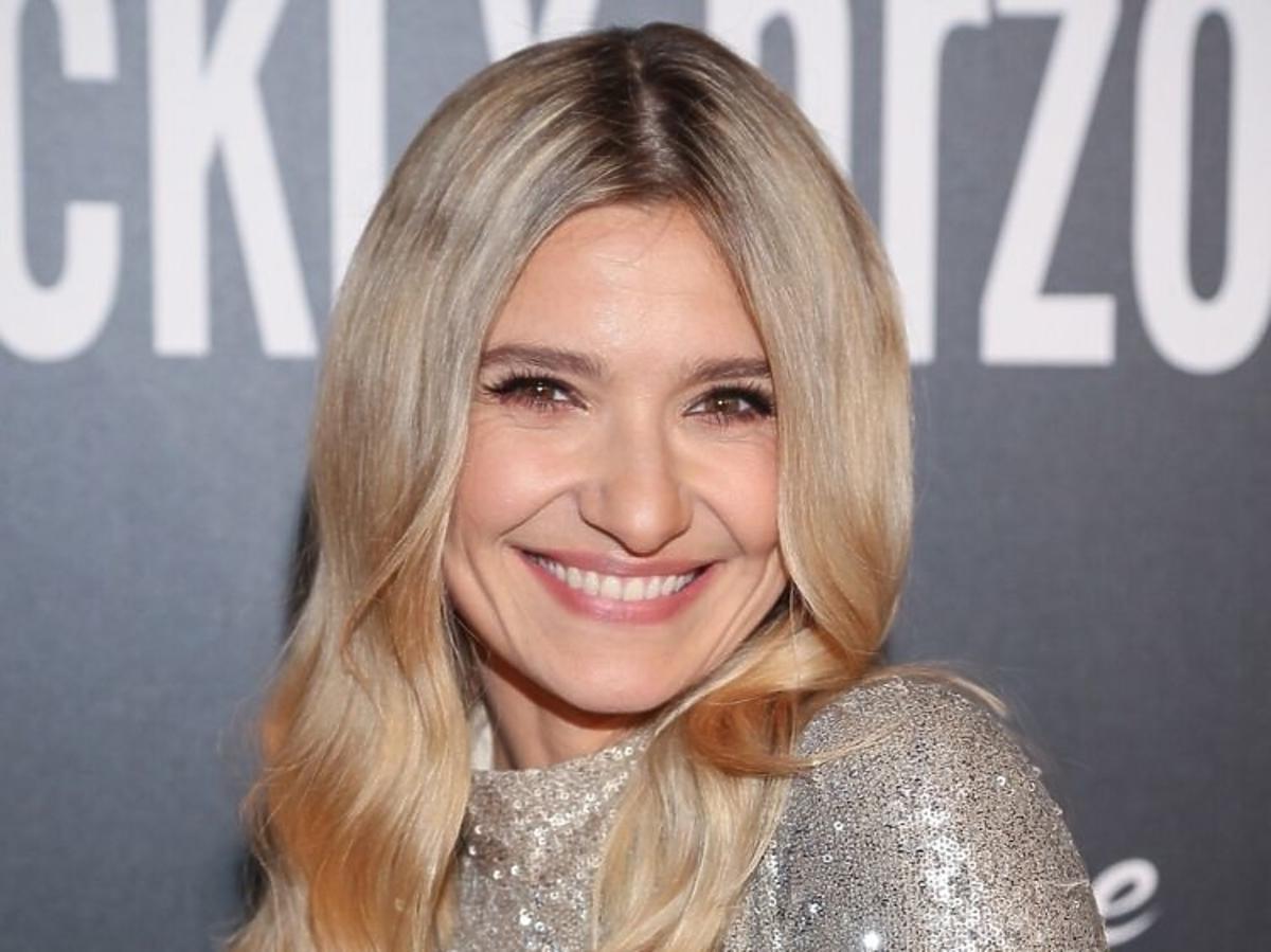 Trendy 2019 najmodniejsze fryzury na święta i sylwestra /Joanna Koroniewska
