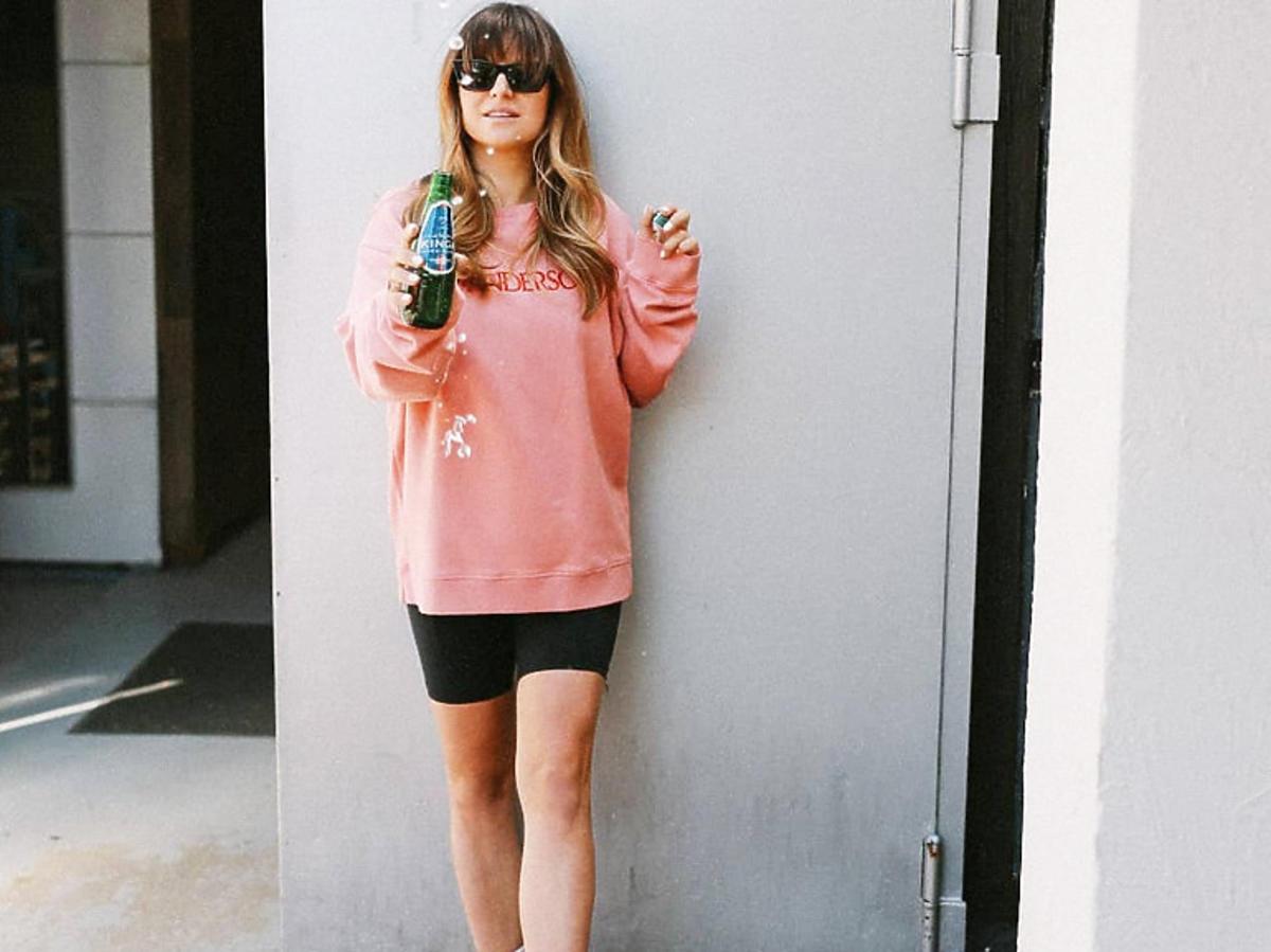 Trendy lato 2020. Anna Lewandowska w sneakersach za 3000 złotych! To ulubione buty influencerów na całym świecie