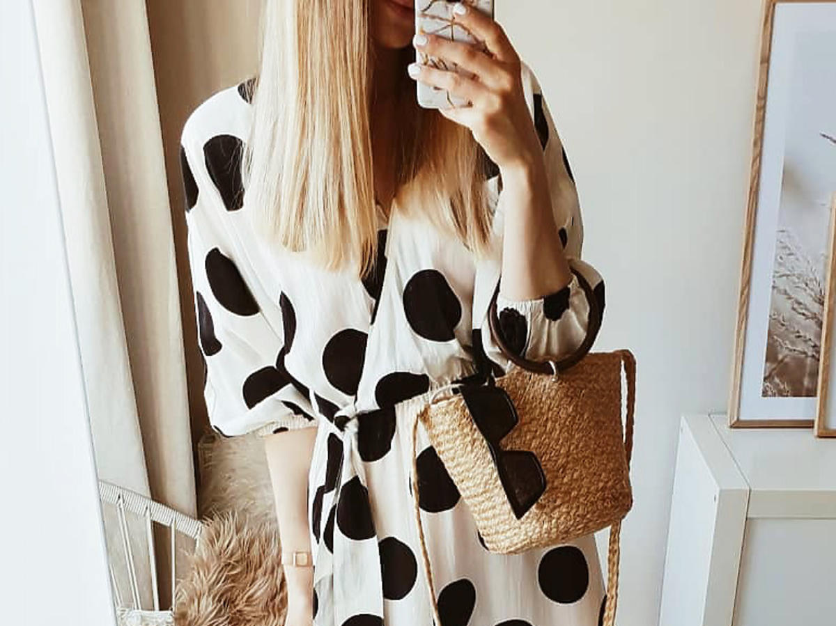 Trendy wiosna 2020. Sukienka w groszki z H&M jest hitem wiosny