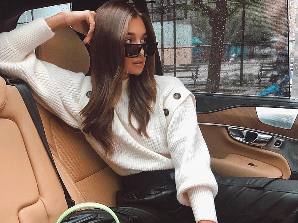 Wyprzedaże wiosna 2020. Sweter z odpinanymi rękawami z H&M to hit Instagrama!
