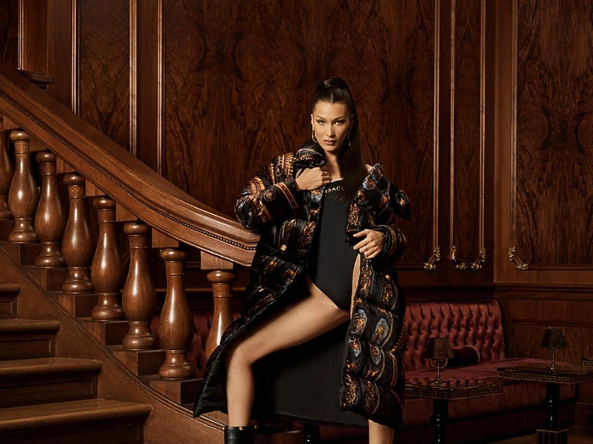 Bella Hadid w kampanii Kith x Versace