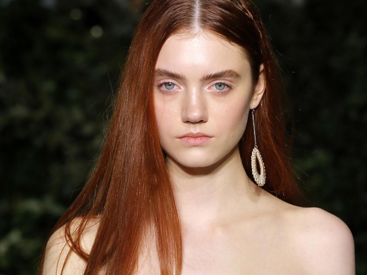 Modna koloryzacja na wiosnę 2019 - rude włosy, Jonathan Simkhai