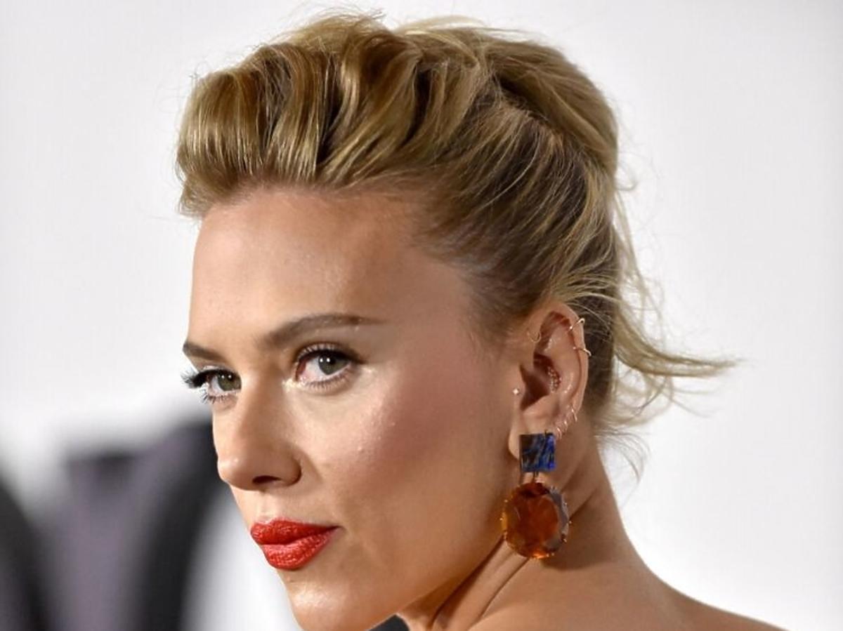 Najlepsze fryzury na studniówkę: Scarlett Johansson