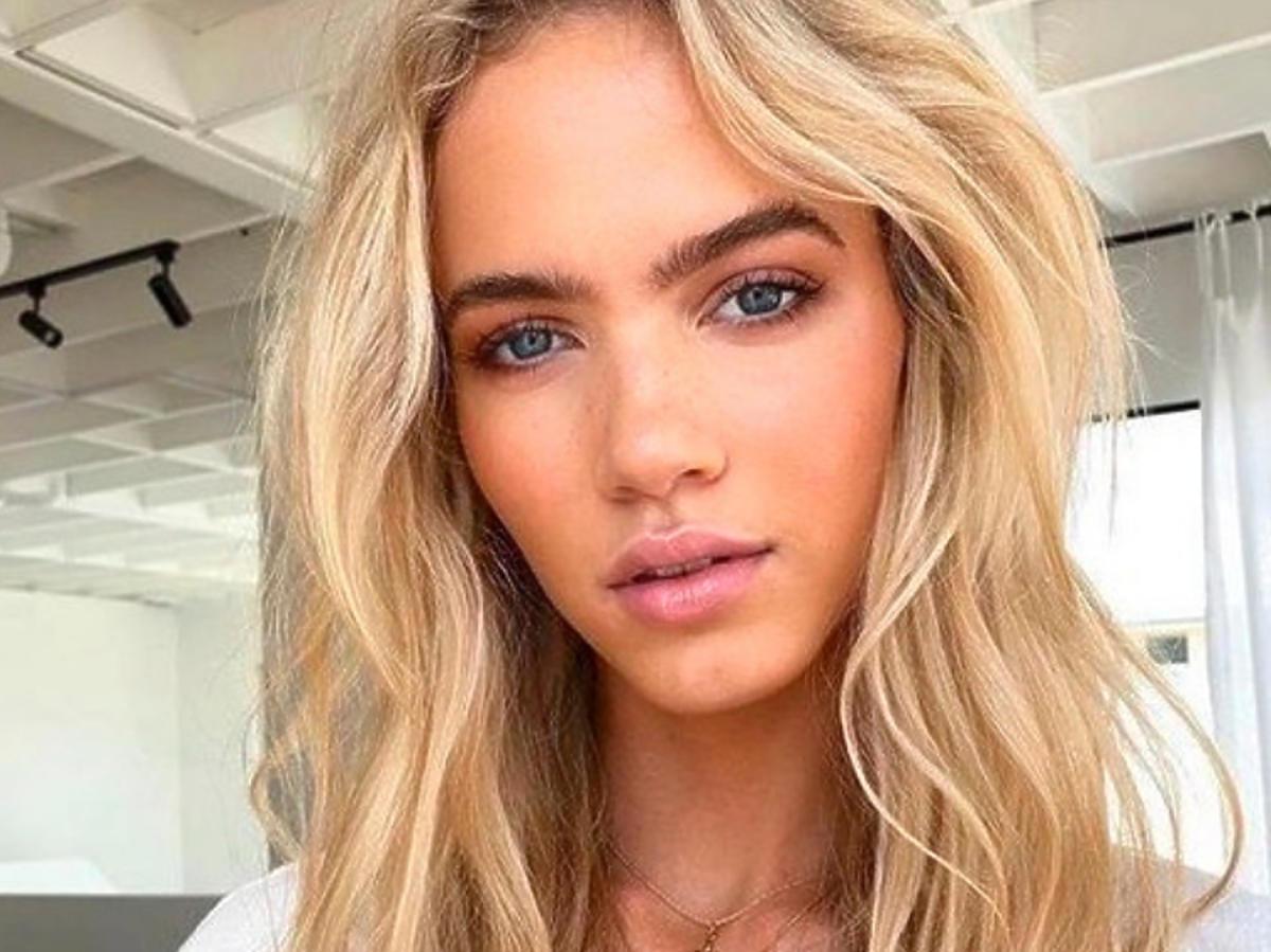 Pielęgnacja włosów blond: jak uniknąć żółknięcia włosów i ochłodzić kolor