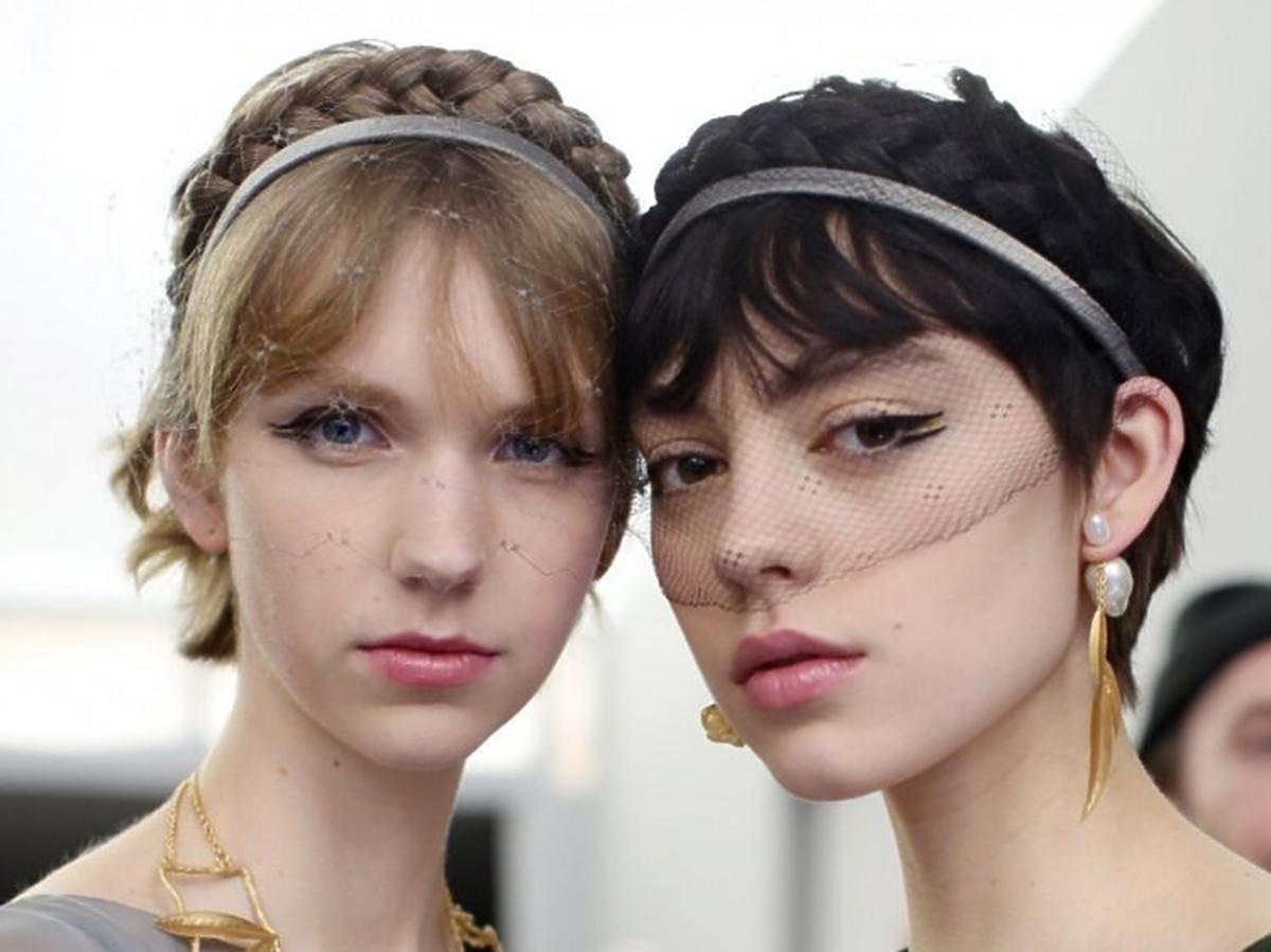 Trendy ślubne: fryzury 2020 /Dior