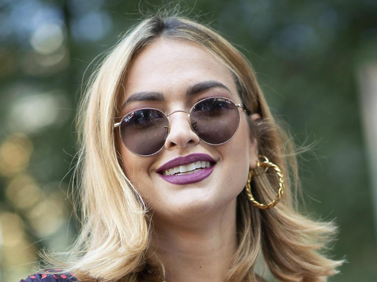 Makijaż na wiosnę 2019: fioletowe usta. Giorgio Armani