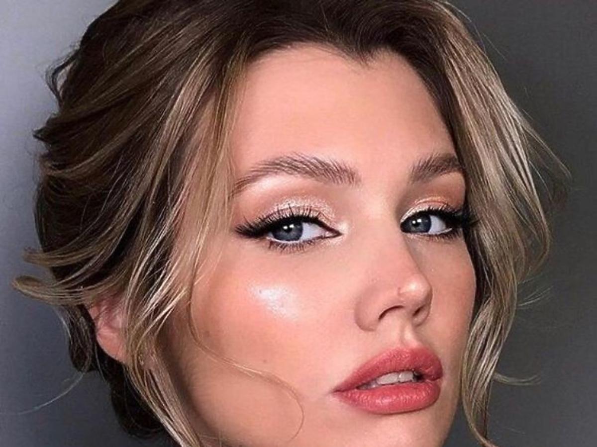 Makijaż wykonany z użyciem mascary wydłużającej rzęsy