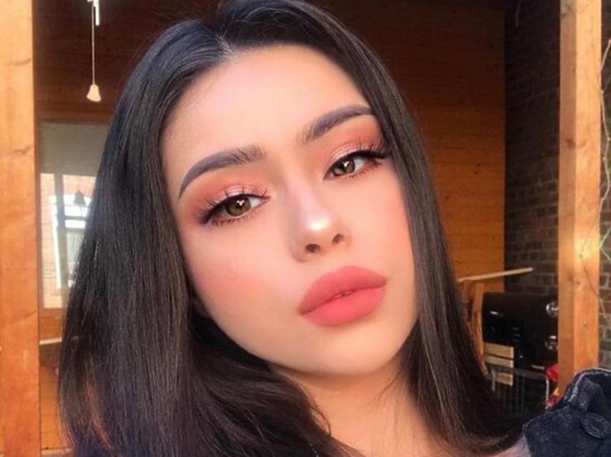 Makijaż wykonany z użyciem pomady do brwi