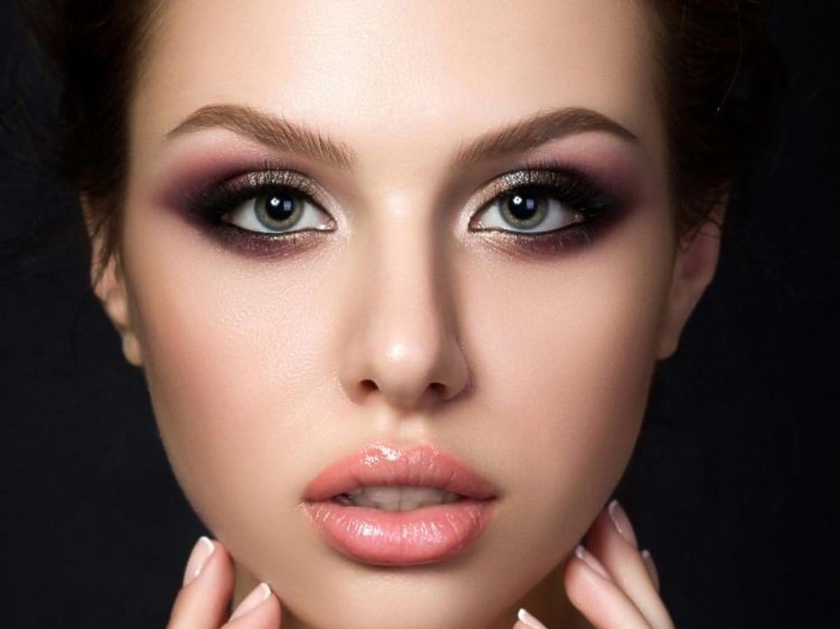 Makijaż z błyszczykiem