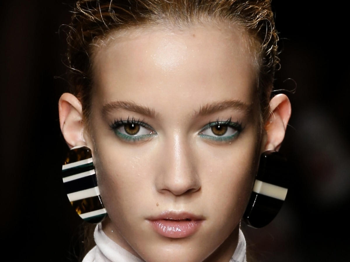 Trendy w makijażu na wiosnę 2019: zielone oko/Cividini