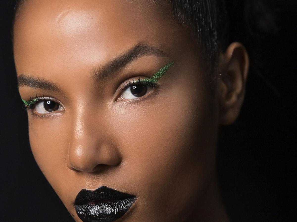 Trendy w makijażu na wiosnę 2019: zielone oko/The Blonds