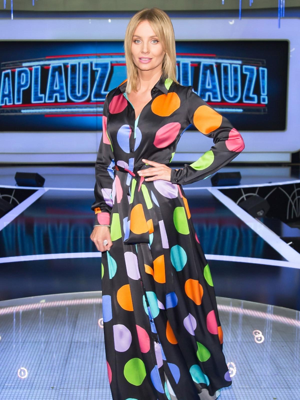 Agnieszka Szulim w kolorwej sukni
