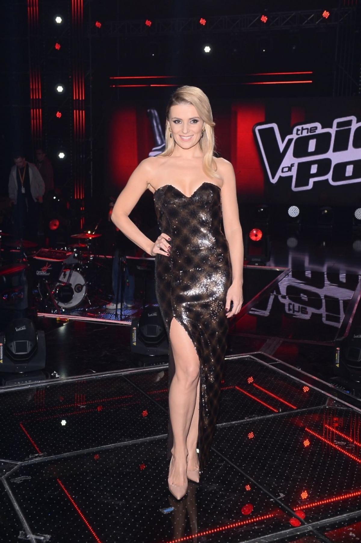 Halina Mlynkova w długiej sukni w finale The Voice of Poland