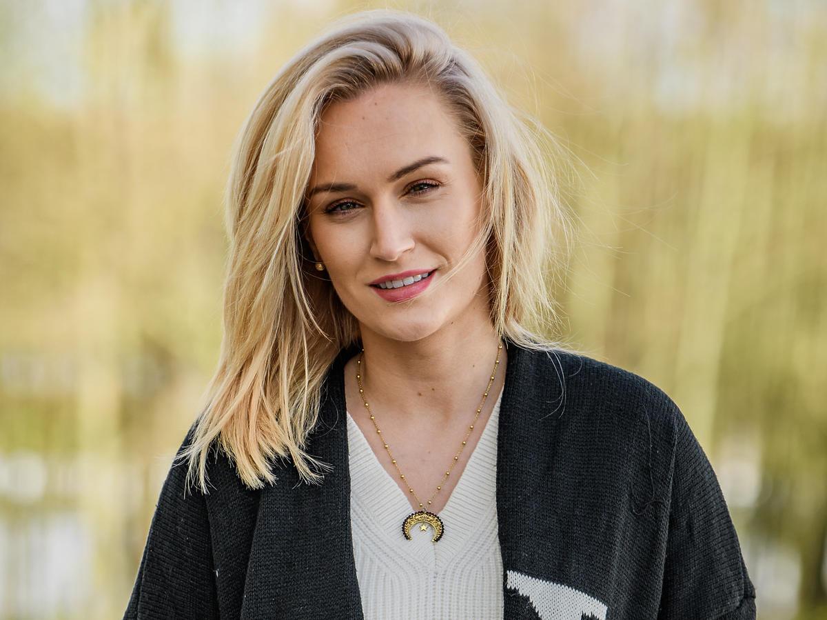 Kamila z Rolnik szuka żony 8 w jasnych włosach