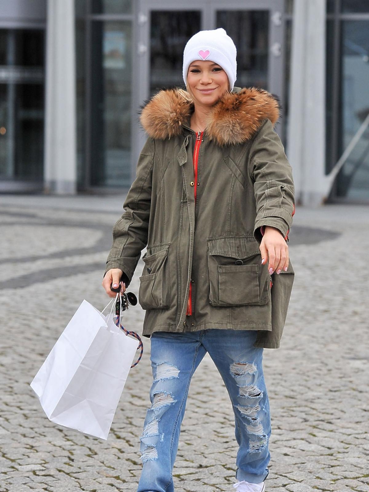 Maja Bohosiewicz w dżinsowych spodniach