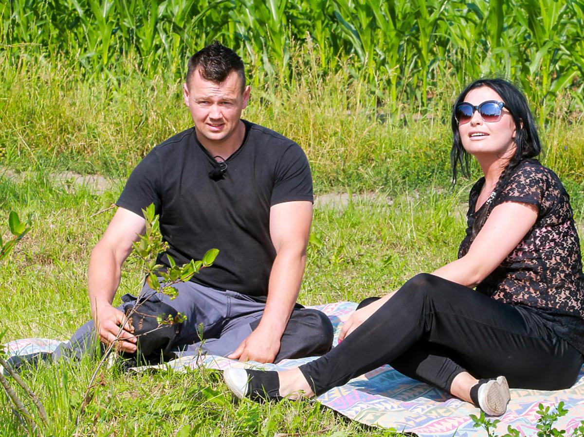 Rolnik szuka żony 4 Piotr rozmawia z Emilią