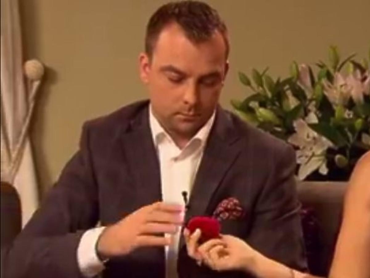 Rolnik szuka żony - Ania oddaje pierścionek zaręczynowy Mariuszowi