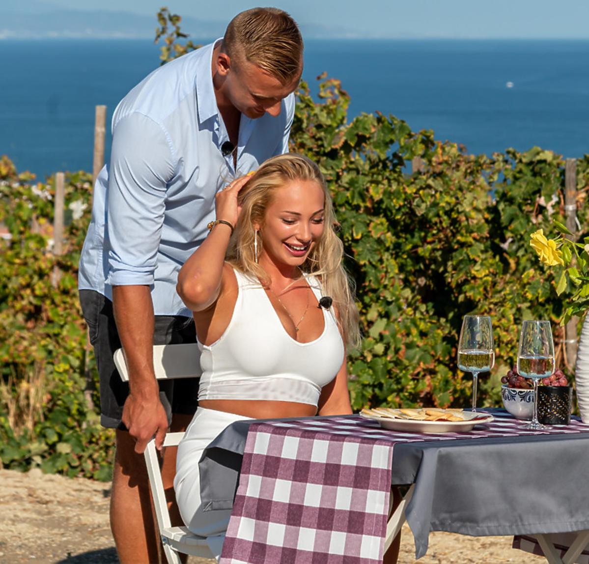 Romantyczna randka Julki i Dominika