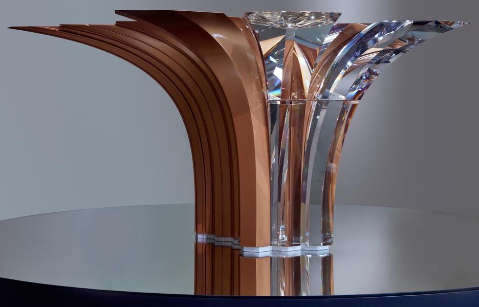 9c78b9c9f589f Efektowny wazon z kolekcji Atelier Swarovski Home, projekt Zaha Hadid.
